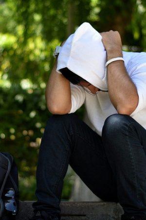 Comment mettre un sweat à capuche pour homme ?