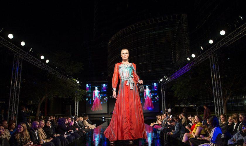 fashion-show-1746579_1920